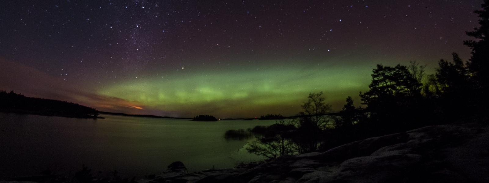 Norrskensfotografering i månsken