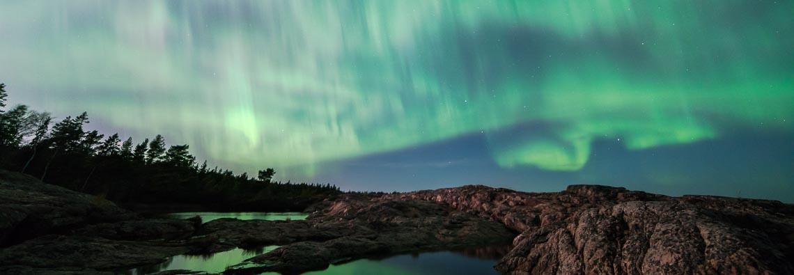 Magisk natthimmel med norrsken
